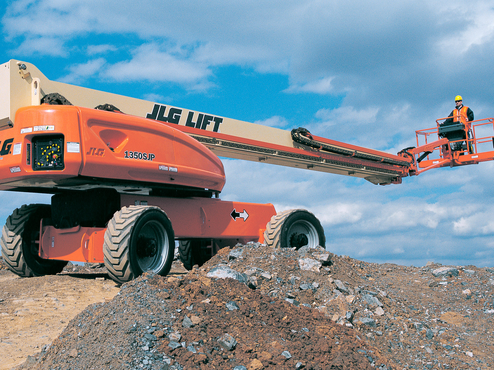 1350sjp driving?w=100 1350sjp telescopic boom lift jlg  at edmiracle.co