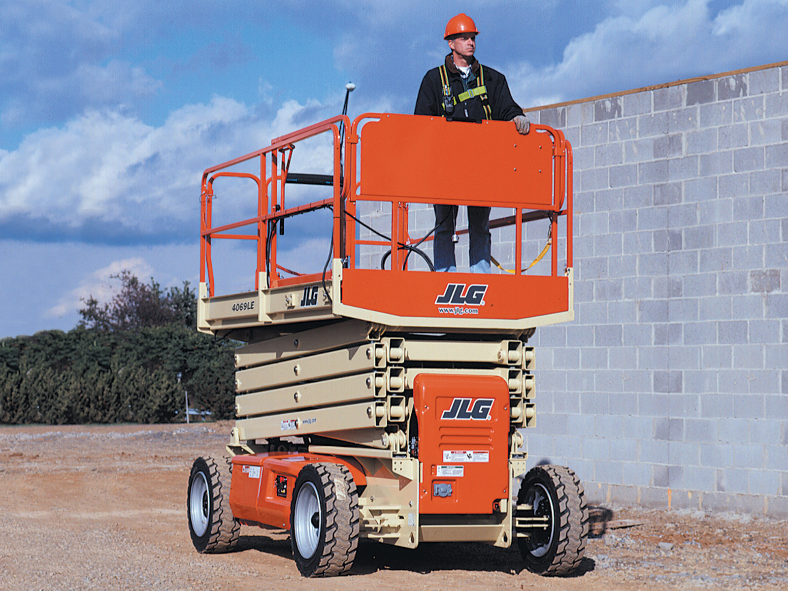 4069LE Electric Scissor Lift | JLG